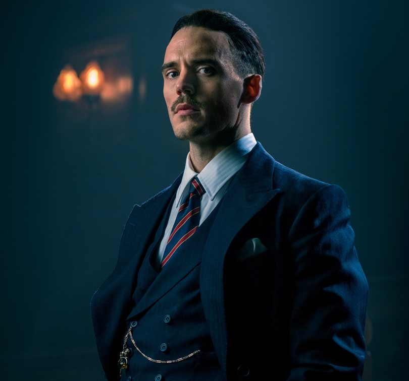 Sam Clafin as Owald Mosley in Peaky Blinders season 5