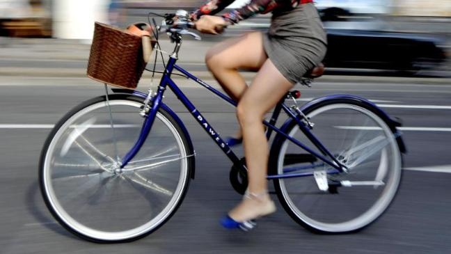 Cycling to and from work helps combat stress, experts say