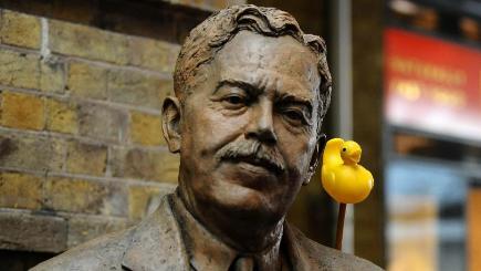 https://home.bt.com/images/statue-of-steam-train-designer-sir-nigel-gresley-ducks-mallard-issue-136405002455110401-160405135005.jpg