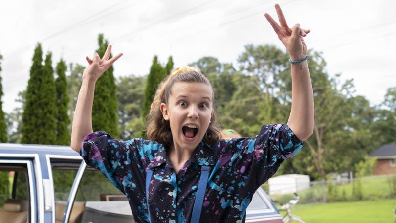 Millie Bobby Brown - Behind the scenes on Stranger Things season 3