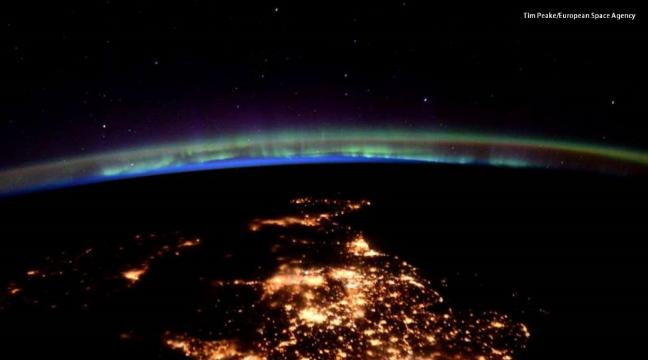 Tim Peake shares stunning pictures of the UK from space on his ...