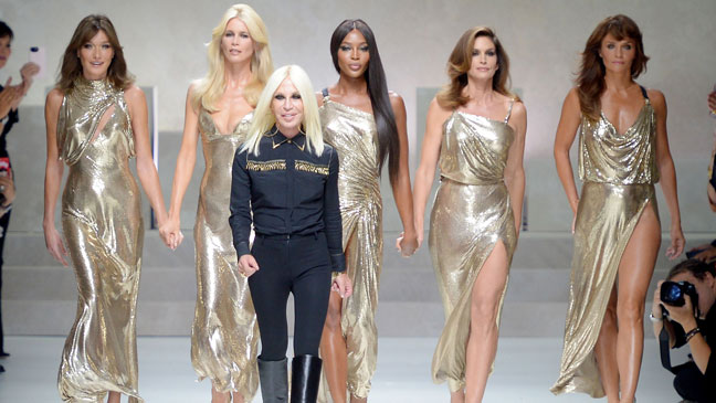 Who Is Donatella Versace Everything You Need To Know About The Italian Fashion Designer Bt