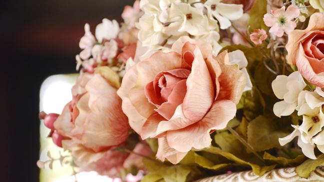 7 reasons to try artificial flowers and plants - bt